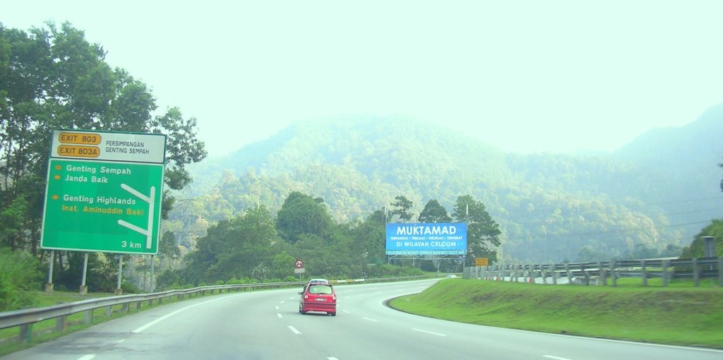 stories of karak highway Can people dump the location of haunted roads/highway/jalan jalan in malaysia i know about karak and the infamous story about couple kereta rosak hubby go missing then on top of the car got the green thing.