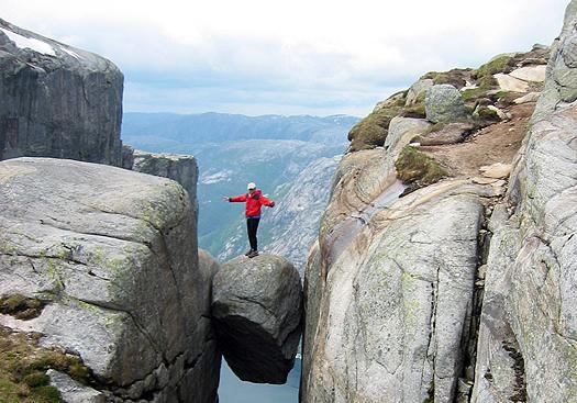 Falls off related keywords amp suggestions kjeragbolten boulder falls