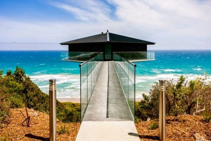 This Pole House in Australia Seems to Float Above the Ocean
