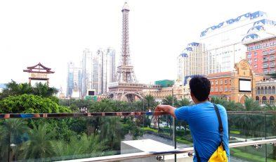 filipino traveller