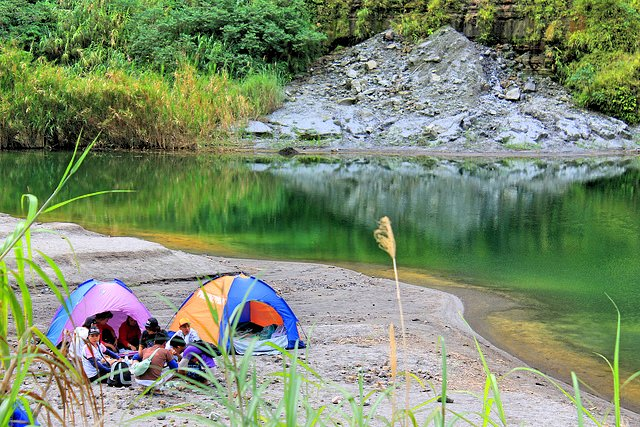Mt. Pinatubo camping