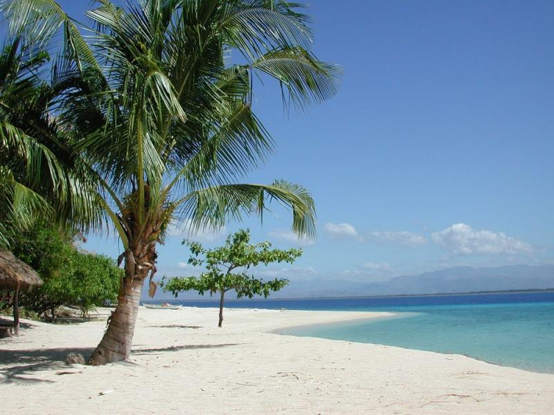 Pandan Island: An Exclusive Philippine Paradise on a Budget