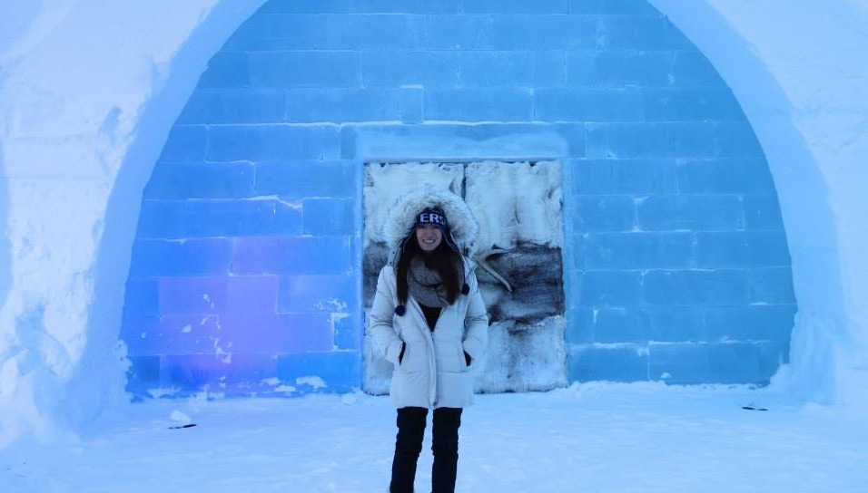 Winter Checklist 10 Items To Pack On Your First Snowy Vacation